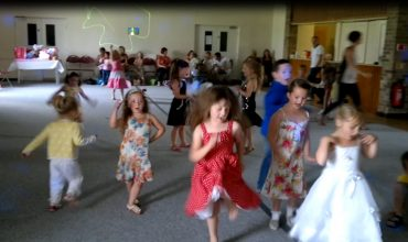 bilton village hall children's party Hull disco by Mobile DJ. eu