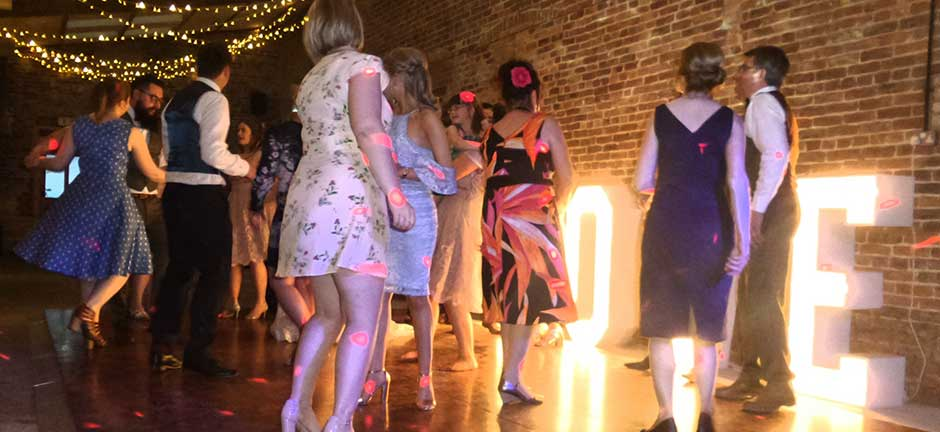Wedding dj hull mobile discos uk